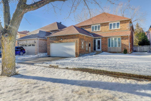53 Crystal Dr, Richmond Hill