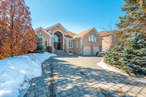 18 Bush Dr, Vaughan