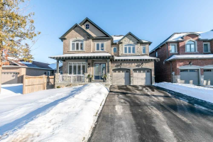 681 Lakelands Ave, Innisfil