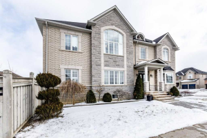 100 Lormel Gate, Vaughan