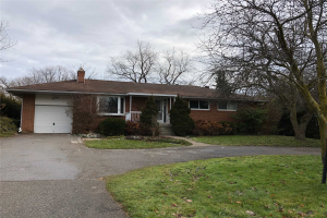 107 Howard Rd, Newmarket