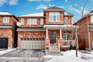 10 Drum St, Whitchurch-Stouffville