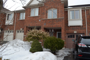 208 Burgess Cres, Newmarket