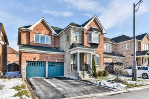 27 Shiner Dr, Richmond Hill
