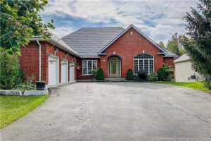504 Coventry Hill Tr, Newmarket