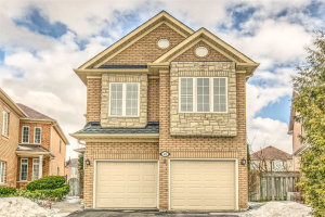 25 Champagne Crt, Richmond Hill