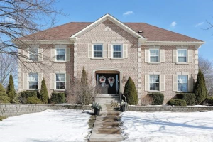 937 Creebridge Cres, Newmarket