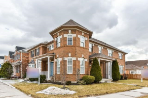 95 The Meadows Ave, Markham