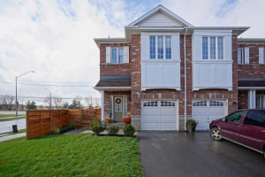 13327 Bathurst St, Richmond Hill