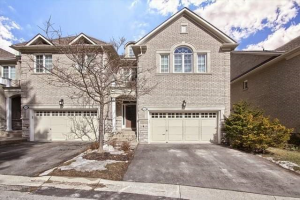 424 Terry Carter Cres, Newmarket