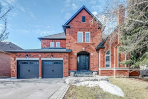 10 Polo Cres, Vaughan