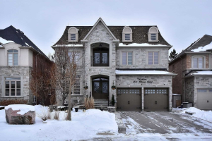 16 San Antonio Crt, Richmond Hill