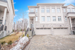 29 Plowman Lane, Richmond Hill