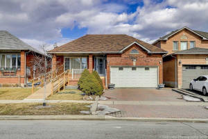81 View North Crt, Vaughan