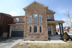 15 Drum St, Whitchurch-Stouffville