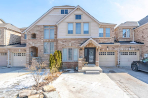 23 Brockdale St W, Richmond Hill