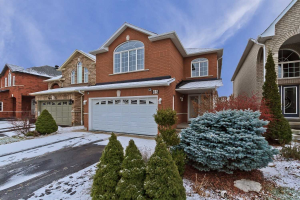 85 Crown Cres, Vaughan