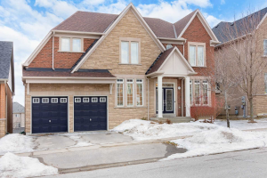 15 Hayfield Cres, Richmond Hill