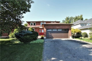 15 Royal Crt, Bradford West Gwillimbury