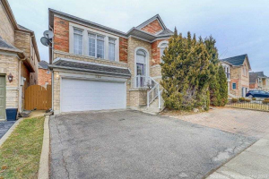 352 Blue Willow Dr, Vaughan