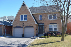 104 Peevers Cres, Newmarket
