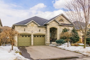 23 Maple Forest Dr, Vaughan