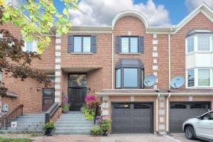 4 Royal Manor Cres, Richmond Hill