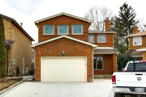 109 Coles Ave, Vaughan