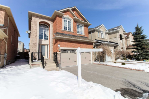 34 Edelweiss Ave, Richmond Hill
