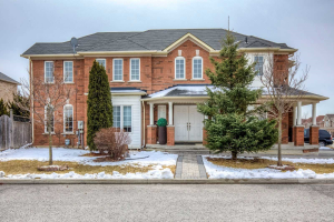 122 Matteo David Dr, Richmond Hill