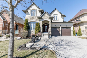 1068 Nellie Little Cres, Newmarket