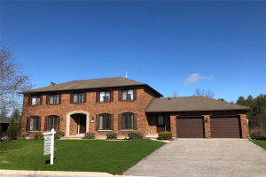 32 East Humber Dr, King