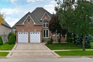 99 Village Green Dr, Vaughan