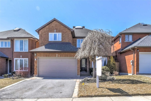 37 Green Acres Rd, Vaughan
