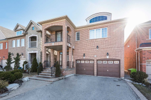 58 Knightshade Dr, Vaughan
