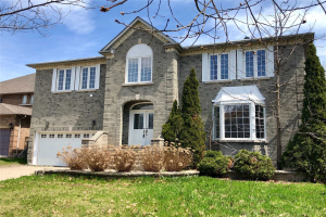 8 Horizon Crt, Richmond Hill