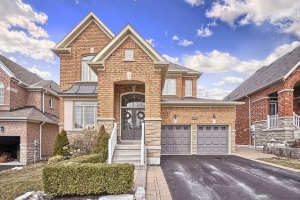 1030 Nellie Little Cres, Newmarket