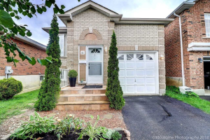 82 Clearmeadow Blvd, Newmarket