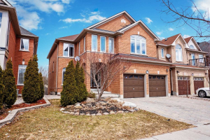 62 Regatta Ave, Richmond Hill