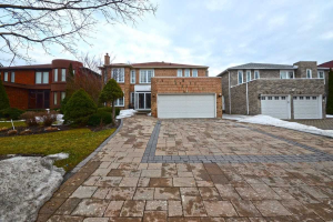 28 Waltham Cres, Richmond Hill