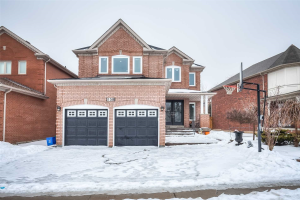 158 Sweet Water Cres, Richmond Hill
