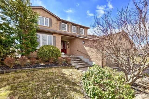 304 Reading Pl, Newmarket