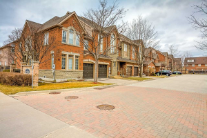 15 Pottery Pl, Vaughan