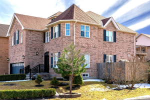 136 English Oak Dr, Richmond Hill