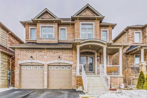 10 Greenforest Grve, Whitchurch-Stouffville