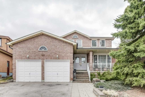 15 Crooked Stick Rd, Vaughan