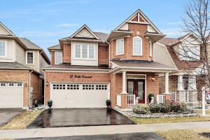 37 Collie Cres, Whitchurch-Stouffville