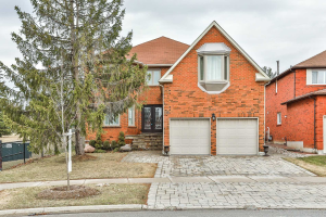 138 Valleymede Dr, Richmond Hill