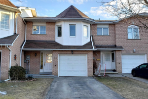 26 Royal Cedar Crt, East Gwillimbury