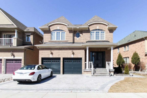 18 Lady Valentina Ave, Vaughan